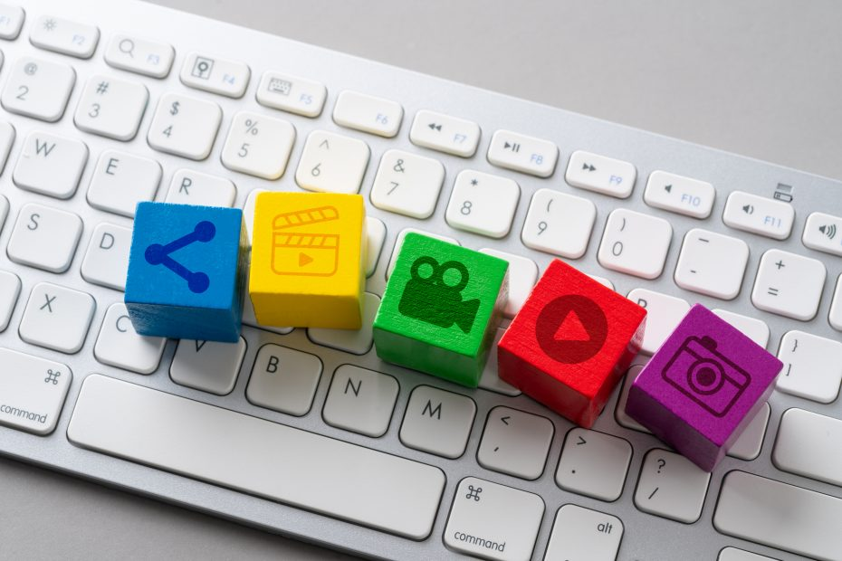 Thumbnail with five cubes representing multi-media on a keyboard